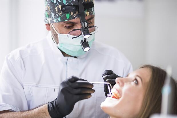 6 Dentists Shining in the Social Media Spotlight